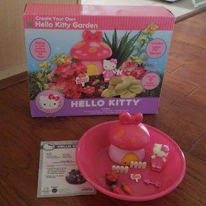 Hello Kitty Garden  Set